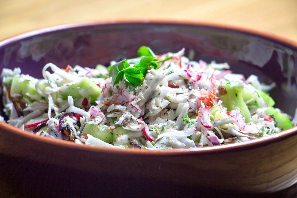 Salade à la noix de coco et au concombre
