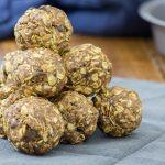 Boules d'énergie au beurre de cacahuètes et chocolat