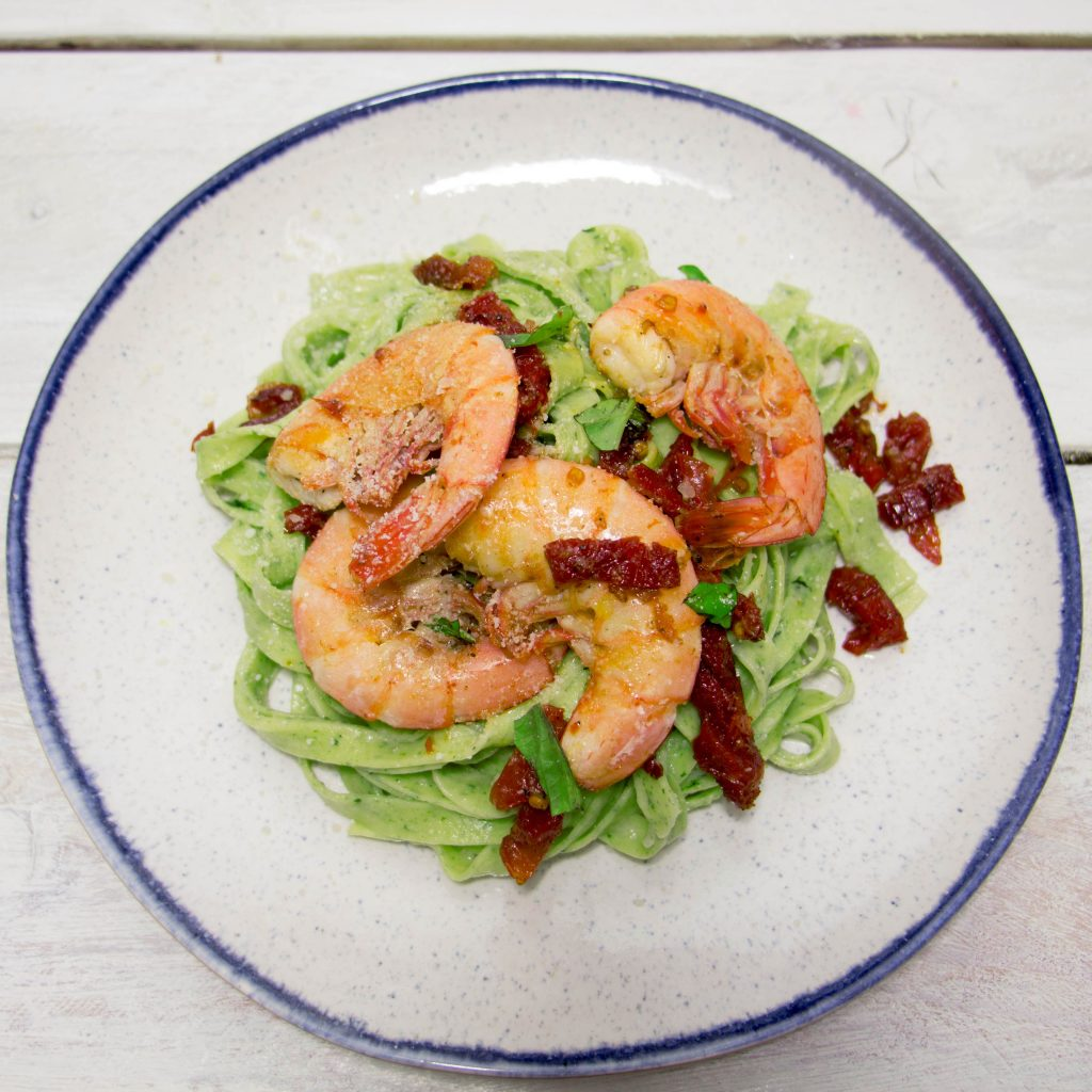 Spinach tagliatelle with shrimp 8