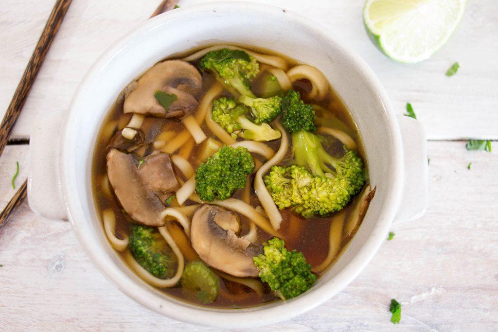 Soupe végétarienne de nouilles udon