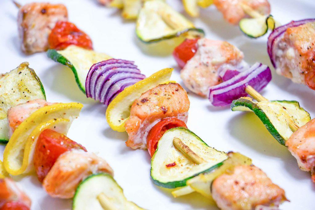 Brochettes de saumon sucré et caramélise